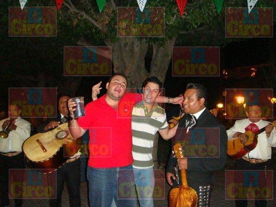 ¡Cachan a presidente del PRI de Aguascalientes en plena borrachera!
