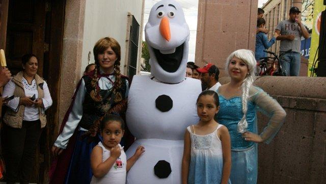 ¡FOTOGALERIA/ El Ayuntamiento de Calera festejó a lo grande el Día del Niño!
