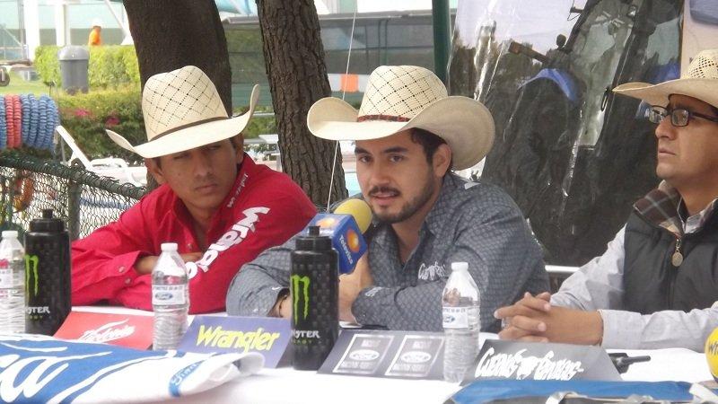 ¡Cuernos Chuecos en Aguascalientes!