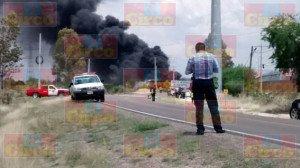 Explota pipa con gasolina al ser alcanzada por el tren en Aguascalientes_04