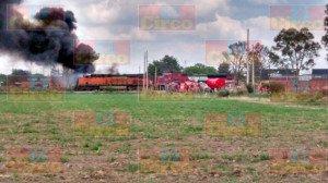 Explota pipa con gasolina al ser alcanzada por el tren en Aguascalientes_05