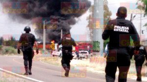 Explota pipa con gasolina al ser alcanzada por el tren en Aguascalientes_07