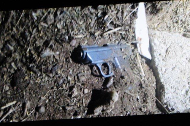 ¡FOTOGALERIA/ Familiares de joven asesinado balearon la casa del prófugo homicida en Calvillito!