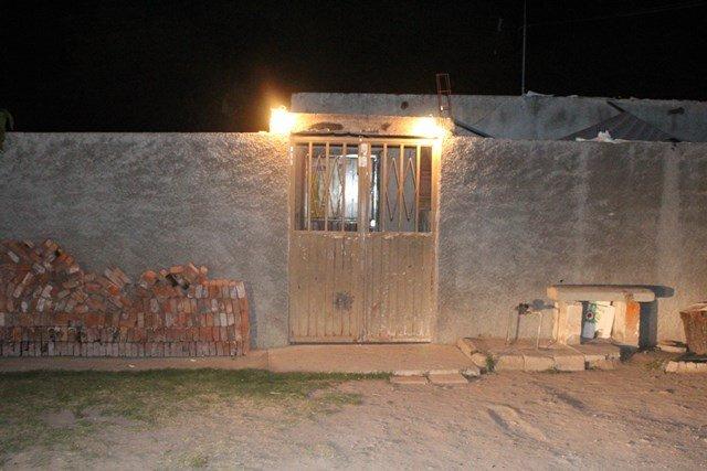 ¡Familiares de joven asesinado balearon la casa del prófugo homicida en Calvillito!