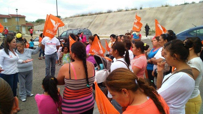 ¡Se compromete Emma Ramírez a garantizar la educación de niños y jóvenes en Ags.!