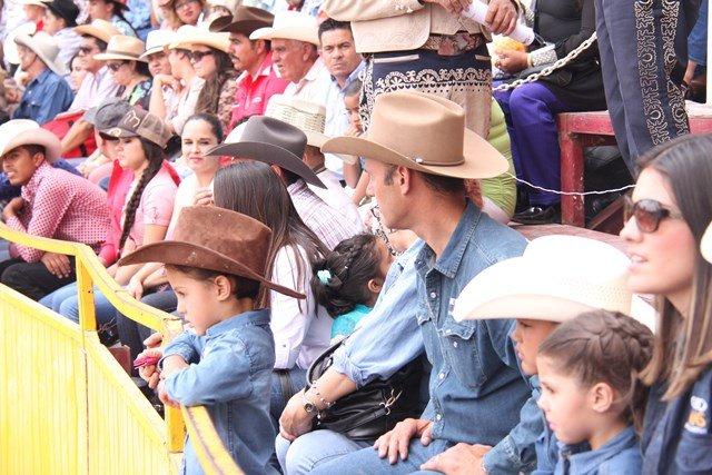 ¡Gerardo Salas asistió a una charreada con motivo del día mayor de la FNSM!