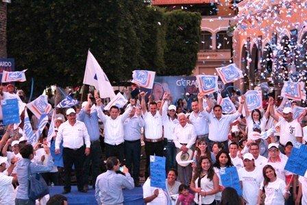 ¡Gerardo Salas llena la plaza principal de Calvillo en su arranque de campaña por el Distrito I!