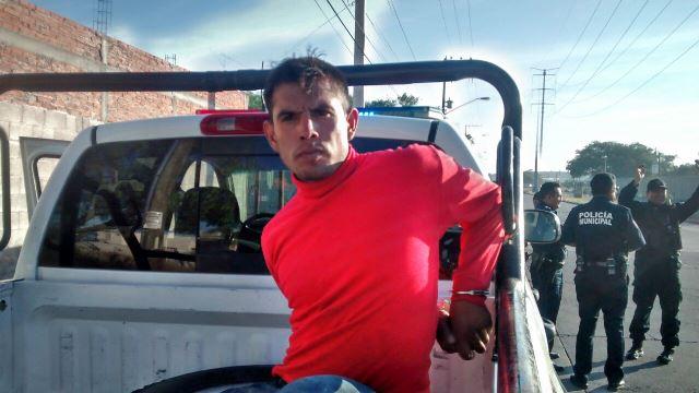 ¡Tras una persecución y accidente fue atrapado un robacoches en Aguascalientes!