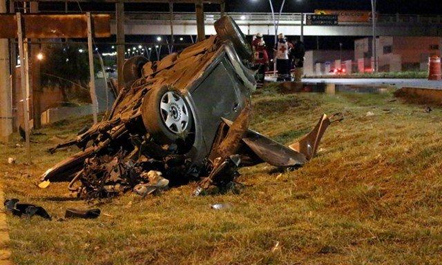 ¡Espantosa volcadura de un auto dejó 3 muertos en Zacatecas!