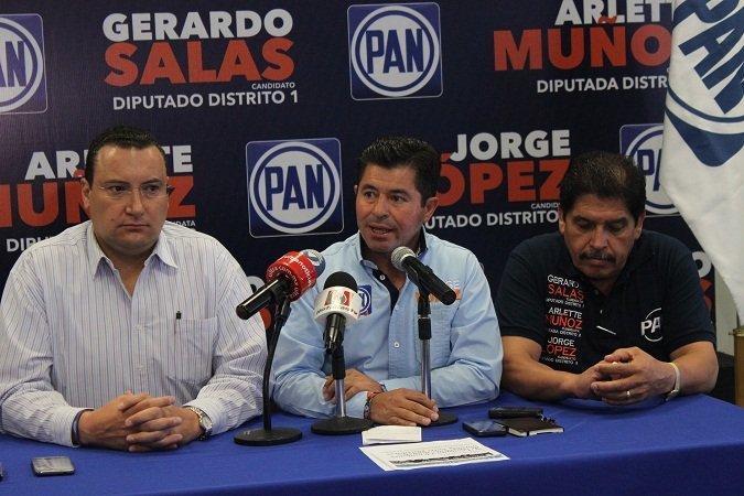 ¡Se compromete Jorge López a bajar el precio de la gasolina!