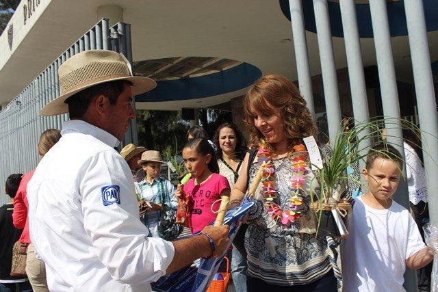 ¡Reconoce Jorge López el importante papel que tienen las mamás en nuestra sociedad!