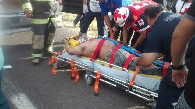 Casi se mata un alcoholizado tras volcar su camioneta en Aguascalientes