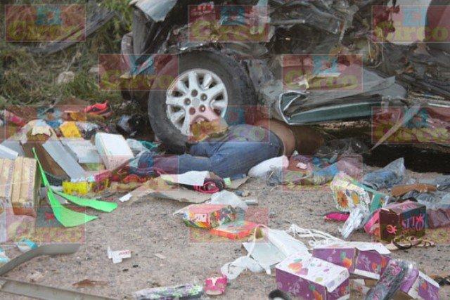 ¡Espantoso camionazo en Lagos de Moreno dejó un saldo de 1 muerta y 40 lesionadas!