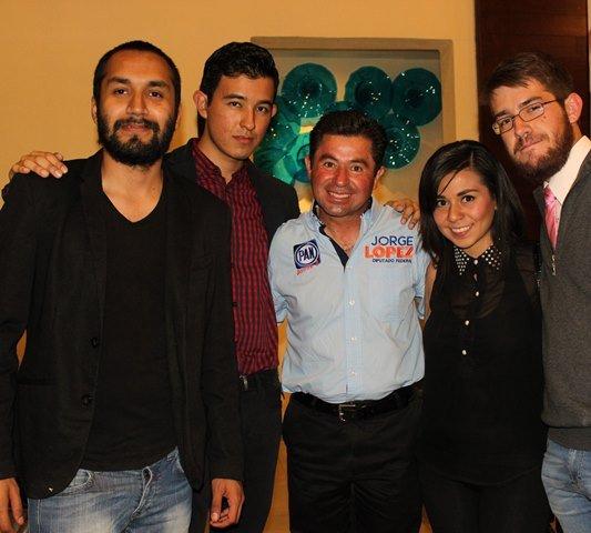 Jóvenes de asociaciones civiles se adhieren al proyecto de Jorge López