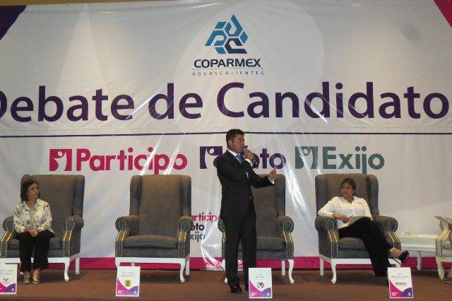 Presentó Jorge López sus propuestas en el debate de la COPARMEX