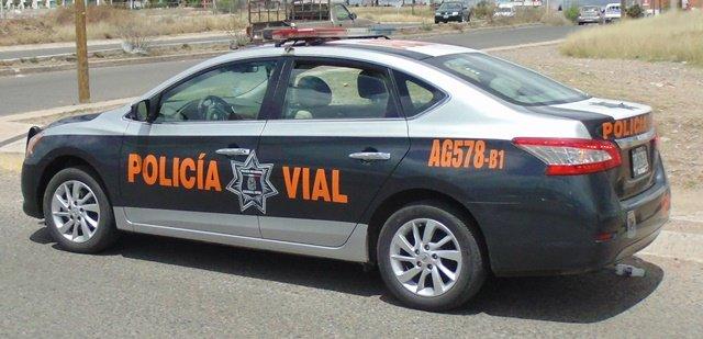 ¡Niño de 3 años movió una camioneta y se estrelló contra una casa en Aguascalientes!