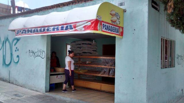 2 pistoleros encapuchados asaltaron una panadería en Aguascalientes