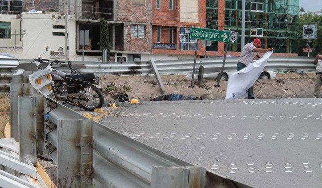 Murió motociclista aplastado por un camión de transporte urbano en Guadalupe