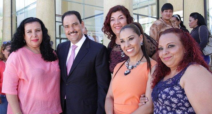 ¡Reconoce el MunicipioAgs la labor de las servidoras públicas madres de familia!