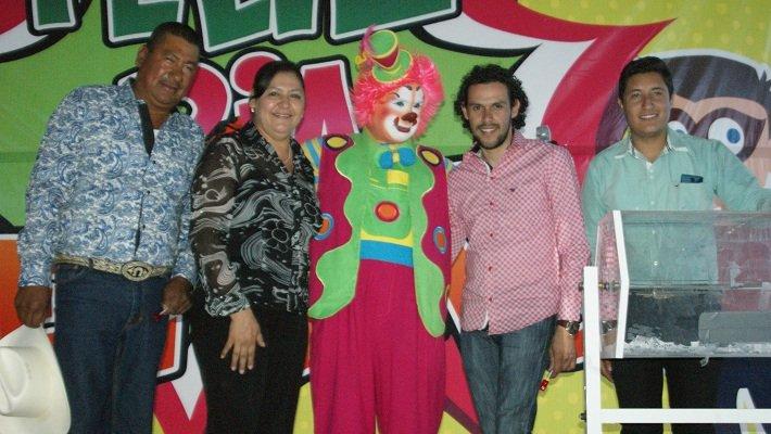 ¡Celebran el Día del Niño y de la Madre en Toribio, Calera!
