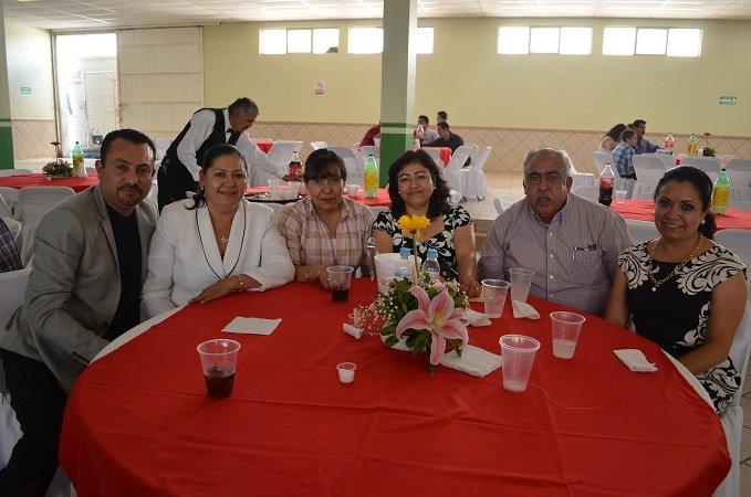 ¡Conmemora el municipio a maestros de Calera!
