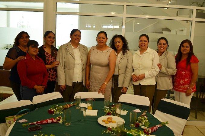 ¡Celebra el municipio de Calera a funcionarias madres de familia!