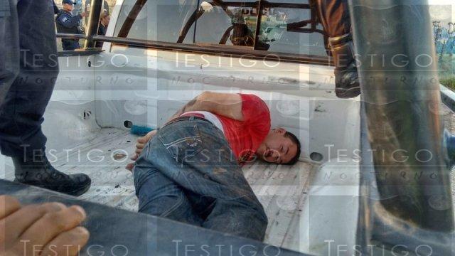 Delincuentes pretendieron secuestrar a un comerciante y al huir atropellaron a 3 personas en Fresnillo