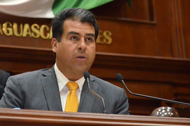 Cuauhtémoc Escobedo presentó iniciativa de ley por los derechos de los menores de edad en Aguascalientes