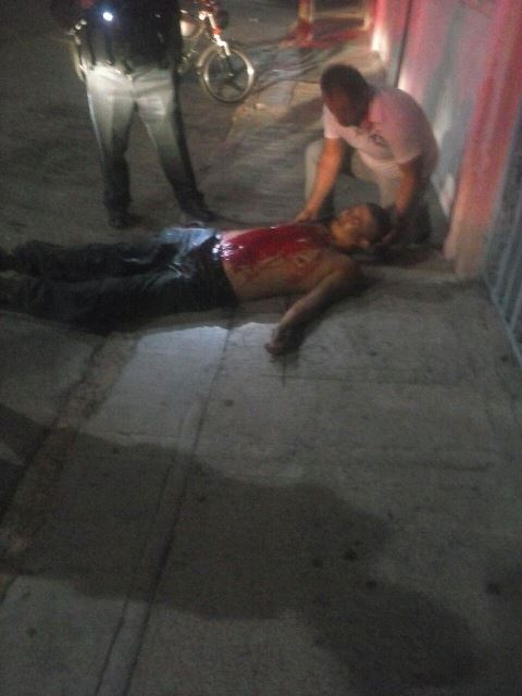 Sujeto casi muere degollado tras ser agredido en Aguascalientes