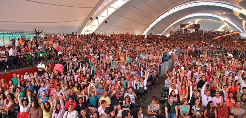 ¡Abuchean miles de profes al gobernador Lozano y al líder del SNTE en Aguascalientes!