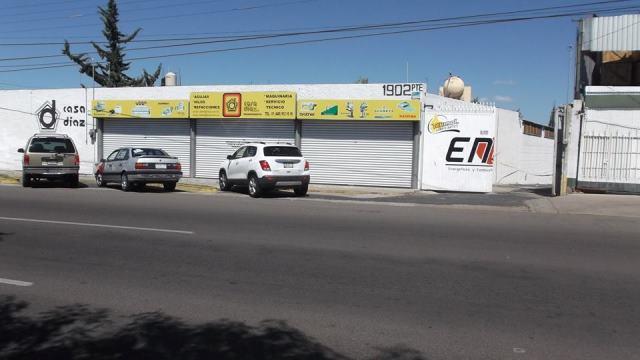 ¡2 pistoleros pretendieron asaltar un negocio de máquinas de coser en Aguascalientes!