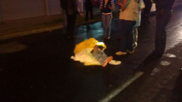 ¡FOTOGALERIA/ Espantosa muerte de un joven arrollado por veloz camioneta en Aguascalientes!