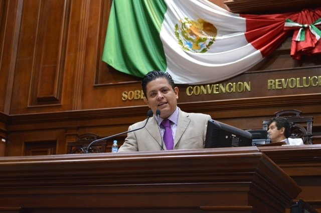 Positivo alejar intereses partidistas de la CEDH: Mario Michaus