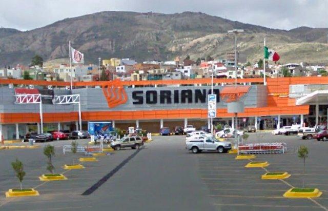 ¡Robaron armamento a un policía estatal preventivo en un centro comercial en Zacatecas!