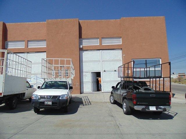 Delincuentes saquearon una llantera y se llevaron un botín de $1 millón en Aguascalientes