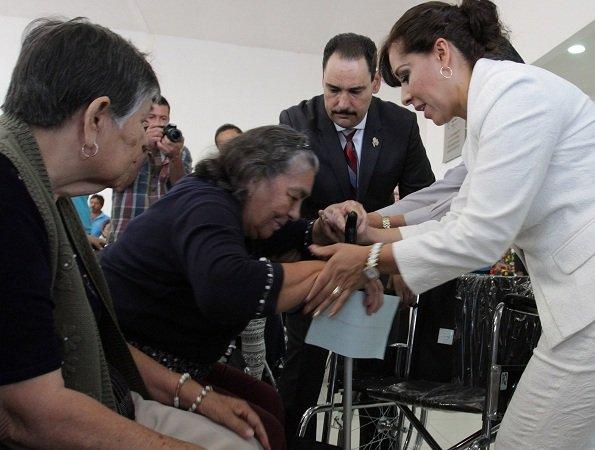 Entregó el MunicipioAgs 100 sillas de ruedas a personas con discapacidad motriz