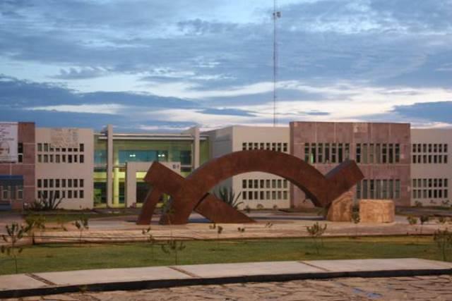 ¡Luto en la UAZ: mueren 3 estudiantes y 5 más resultan lesionados tras un accidente!