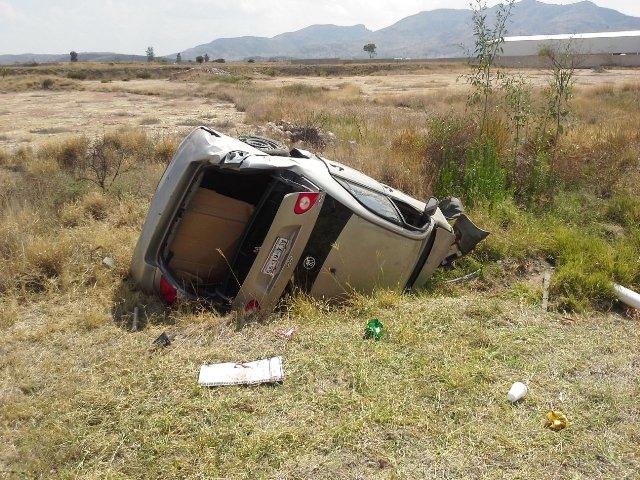 Adolescente resultó lesionado tras volcar un auto en Aguascalientes