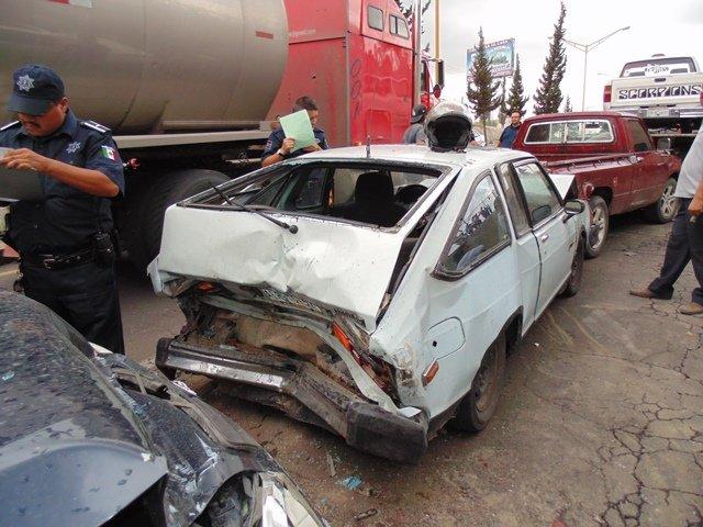 FOTOGALERIA/ 6 lesionados tras un doble accidente en Aguascalientes