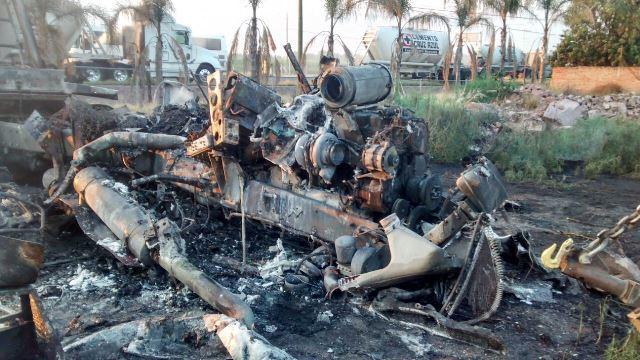 Tráiler se accidentó e incendió en Aguascalientes; el chofer salió ileso
