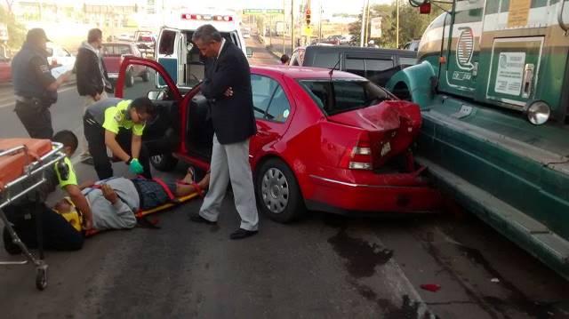 Trailero originario de Jalisco provocó impresionante carambola en Aguascalientes con saldo de un lesionado