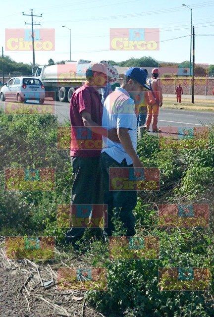 Joven estudiante se salvó de morir tras estrellarse contra una pipa en Zacatecas