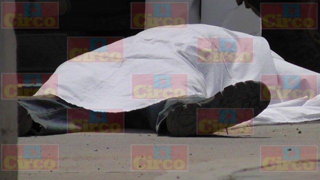 ¡FOTOGALERIA/ Doble ejecución en Fresnillo: sicarios acribillaron a balazos a dos hombres!