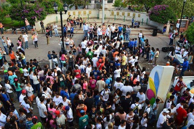 Estudiantes deben sentirse estimulados y apoyarse siempre del deporte: Javier Luévano Núñez