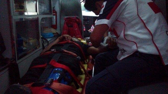 Adolescente resulta lesionado tras caer de una motocicleta en Aguascalientes
