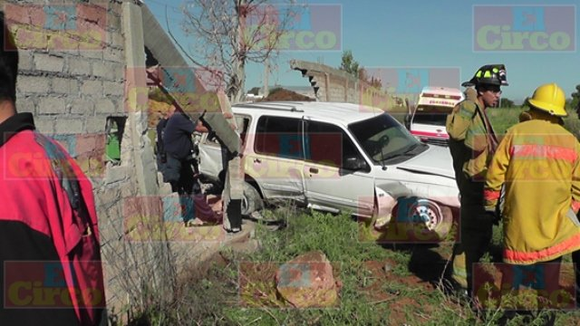Murió un niño tras chocar una camioneta contra un muro en Zacatecas