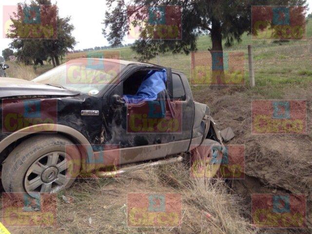 1 muerto y 1 lesionada dejó la volcadura de una camioneta en Betulia, Jalisco