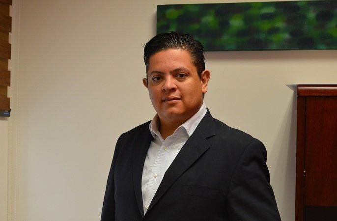Candidatos del PRI no van a debates por miedo: Mario Michaus