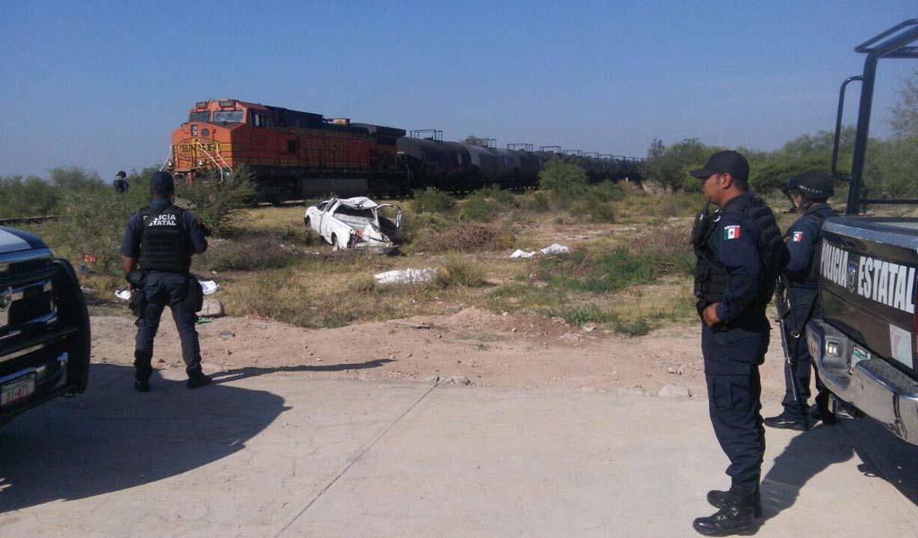 ¡3 estudiantes muertos y 3 lesionadas al embestir el tren su camioneta en Villa de Cos!