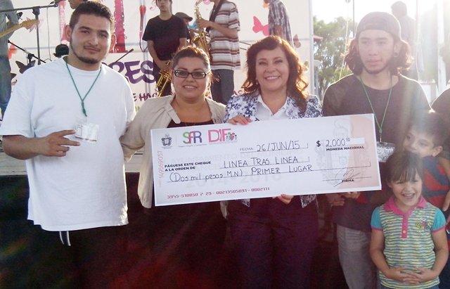 """Reconoció la alcaldesa Margarita Gallegos a los ganadores del concurso de Prevención de Adicciones """"Expresarte"""""""
